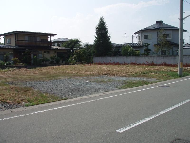 中山町長崎の宅地